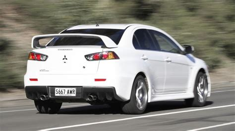 mitsubishi evolution 2014 2014 mitsubishi lancer evolution review and specs