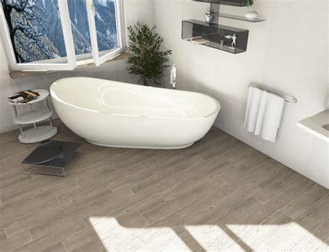 farbgestaltung badezimmer grau fliesen in holzoptik f 252 r badezimmer bei ceratrends