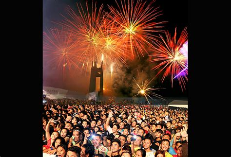 new year celebration in quezon city tv5 qc welcome 2015 with spectacular countdown