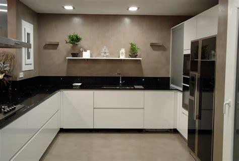 azulejos de cocinas modernas suelos para cocinas modernas microcemento