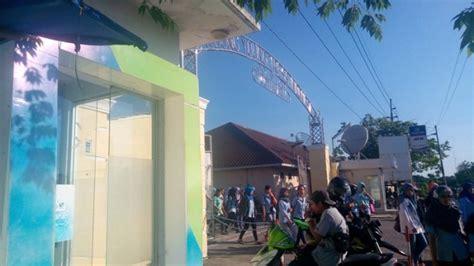 Rambut Palsu Di Surabaya karyawan pabrik rambut palsu di piyungan kesurupan ada yang berteriak lantang tribunnews