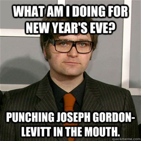 Joseph Gordon Levitt Meme - what am i doing for new year s eve punching joseph gordon