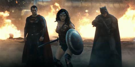 imagenes de wonder woman en batman vs superman batman v superman dawn of justice by the numbers
