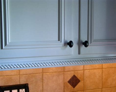 kitchen cabinet bottom molding best 25 cabinet trim ideas on pinterest making kitchen