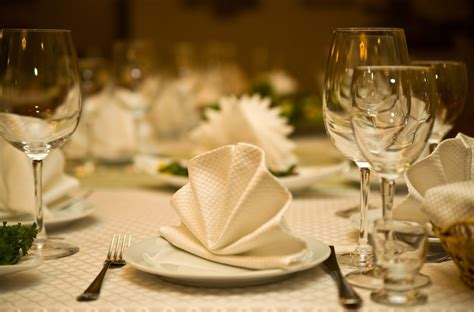 festliche tafel tafel f 252 r festliche anl 228 sse perfekt gestalten moebeltipps ch