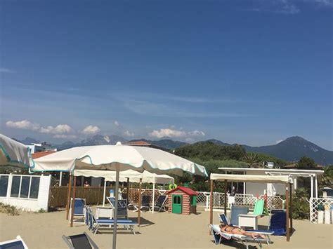 bagno costa azzurra bagno costa azzurra marina di pietrasanta italien omd 246