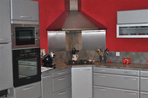 lesbiennes en cuisine hotte de coin ustensiles de cuisine