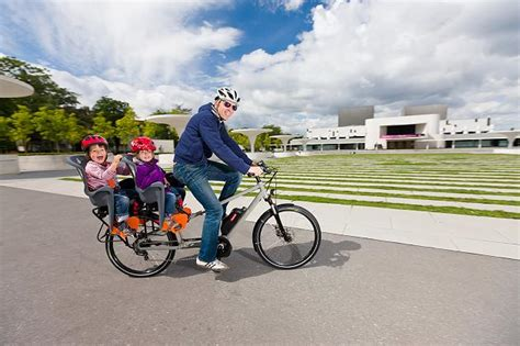 Kinder Auto Vorne Sitzen österreich by Ratgeber Radfahren Mit Kindern Hinten Vorn Oder