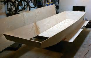 building a wooden jon boat with simple plans for small