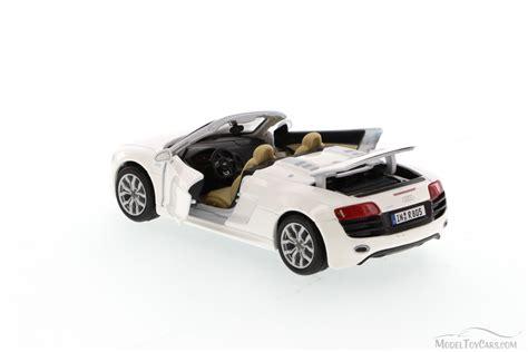 Audi R8 Spielzeugauto by Audi R8 Spyder Convertible White Maisto 31204 1 24