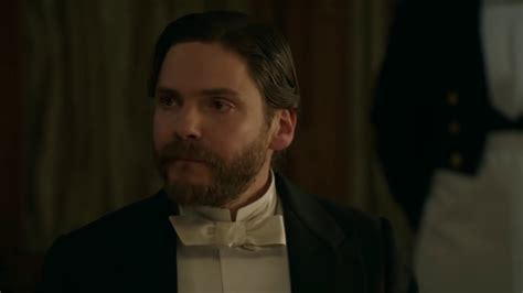 a fruitful partnership the alienist the alienist 1x02 quot a fruitful partnership quot sneak peek vo