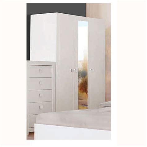 Bedroom Wardrobe With Lock Keep Your Belonging Safe With Wardrobe With A Lock