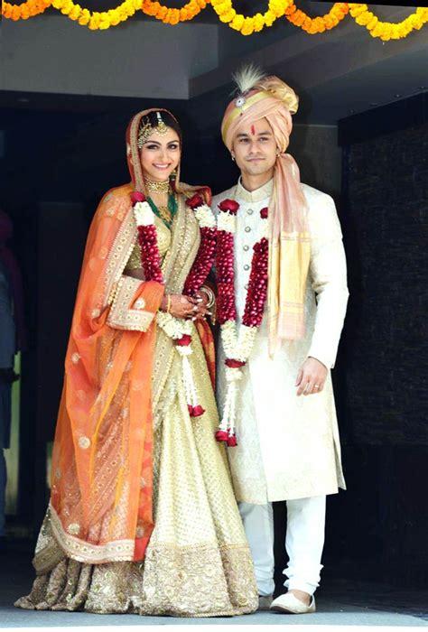 soha ali khan wedding pic actresses in their wedding attire