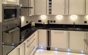Cream Gloss Kitchen Ideas by Black And Cream High Gloss Kitchen Thelakehouseva Com