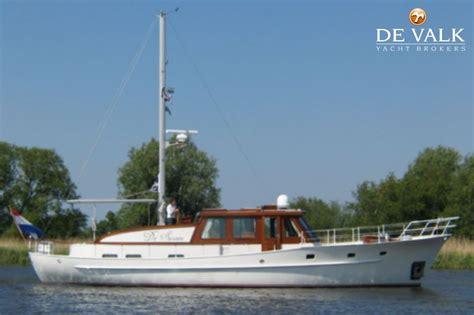 yachten te koop akerboom spitsgatkotter motorboot te koop jachtmakelaar