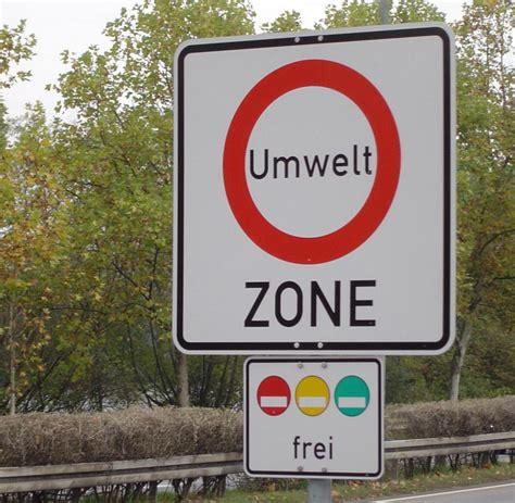 Versicherung Auto Unter 25 Jahre by 196 Nderungen Bei Kfz Versicherung F 252 Hrerschein Und