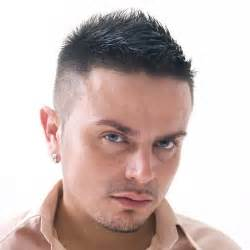 haircut parted on side spiked in front мужские прически