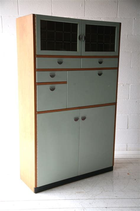 1950s Kitchen Cabinet   Cream and Chrome