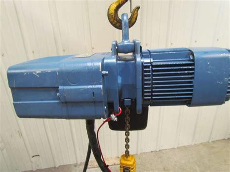 Electric Chain Hoist Chainstergt Up To 2 500 Kg demag dkun 5 500 k v1f4 1 2 ton 1000lb electric chain hoist 8 32fpm 2 speed 460v
