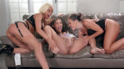 Bachelorette Party Turns Into A Squirting Orgy Hd Porn C2