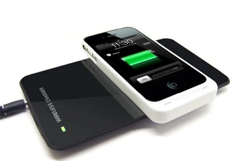 how to charge iphone battery without charger iphone 6 will charge its battery without a cable report