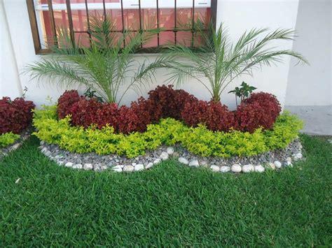 jardines con flores 50 fotos de ideas para decorar crea un jard 237 n peque 241 o en tu casa blog de bienes en full