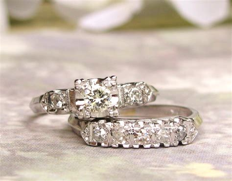 vintage engagement ring set 0 55ctw vintage illusion