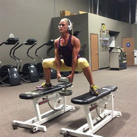 bench squats sumo squat on benches legs glutes pinterest sumo