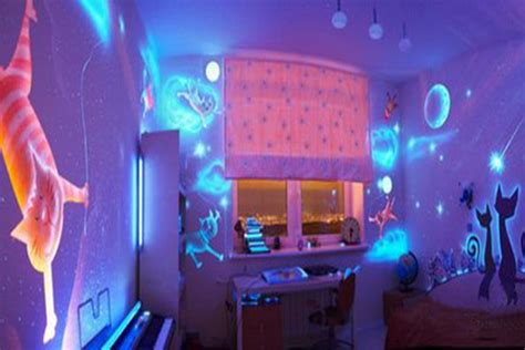 glow in the paint in room things that glow 5 things that glow you can make