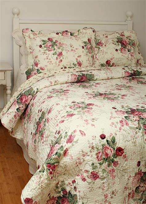 Shabby Chic Bedspreads Quilts by 132 Best Comforters Quilts And Bedspreads Images On