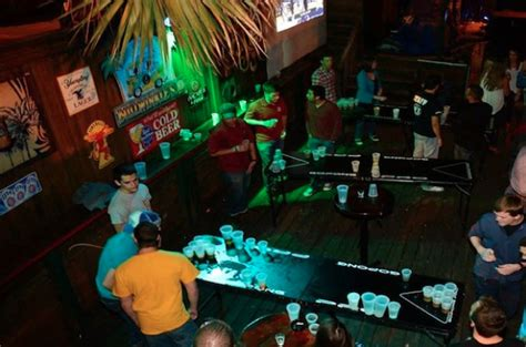 top college bars 10 best college bars in america huffpost