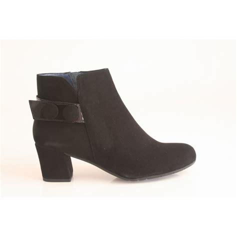perlato perlato black suede leather ankle boot with a