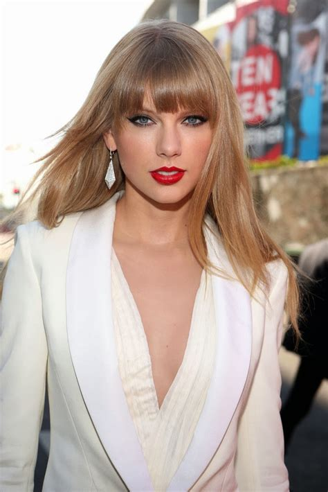 taylor swift hair hot celebrity haircut taylor swift s blunt bangs