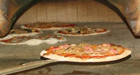 aiuto cucina si assumono aiutanti in cucina e pizzaioli in germania con