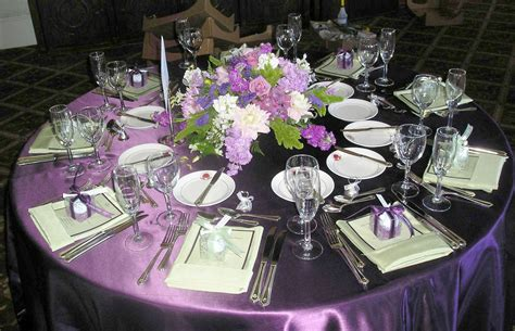 Wedding Tables Decoration by Choosing Your Wedding Color Combinations