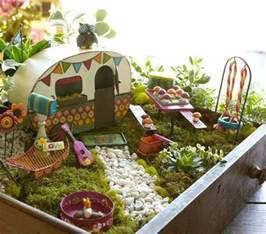Picnic Baskets For Two The 50 Best Diy Miniature Fairy Garden Ideas In 2017