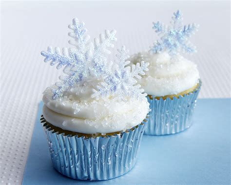 cupcake themed decorations how to make sparkly snowflake cupcakes cakejournal
