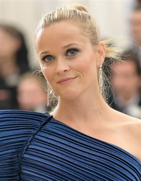 Reese Witherspoon Alone And Sad At The Golden Globes by Reese Witherspoon At 2017 Met Gala