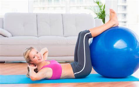 bli bli yoga tr 228 ningsexpertens b 228 sta 246 vningar med yoga eller