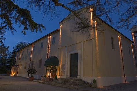 illuminazione palazzi storici illuminazione facciate edifici storici file palazzo