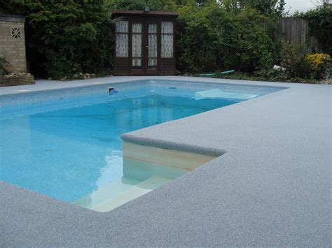 our rubbaflex safety surfacing gives a new lease of life to a domestic pool surround flexflooring