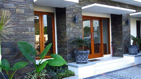 desain rumah tak depan dengan batu alam gambar teras depan rumah batu alam dan 41 inspirasi model