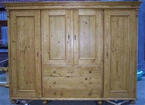 garde robe en pin 4 portes 3 tiroirs sur mesure