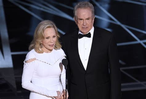Oscars Bringing Back by Oscars To Bring Back Warren Beatty Dunaway To