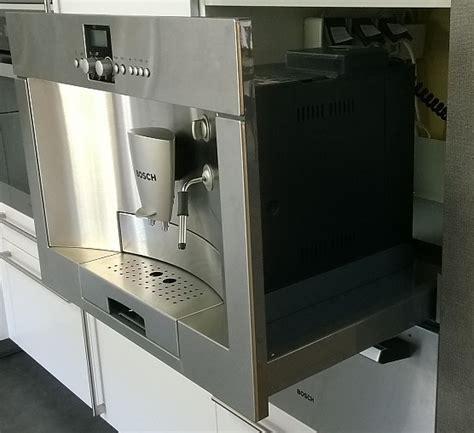 Miele Einbau Kaffeevollautomat Mit Festwasseranschluss by Kaffeevollautomaten Tkn68e751 Bosch Einbau