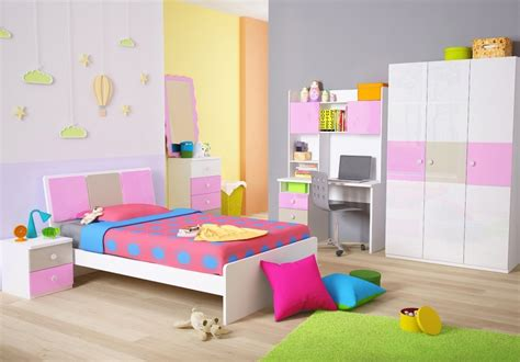 foto wallpaper dinding kamar gambar wallpaper dinding kamar tidur anak motif doraemon