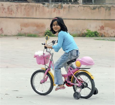 womens bike riding girls riding bikes bicycling and the best bike ideas