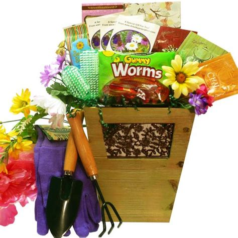 Gift Basket Ideas For Gardeners Of Appreciation Gift Baskets Sweet Gardening Pleasures Gift Basket Home Lawn Accessories
