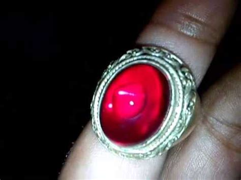 Merah Siem Pecah Seribu pengambilan bongkahan batu merah siem di hutan doovi