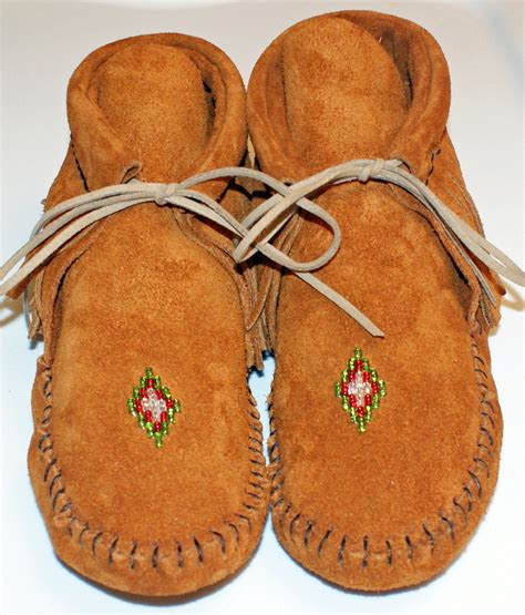 Handcrafted Moccasins - handmade moccasins moccasinsbytrena